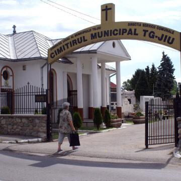 Primarul din Târgu Jiu vrea să-și promoveze orașul pe gardurile cimitirelor