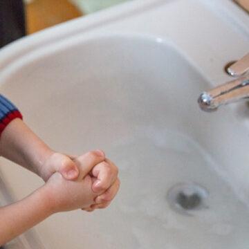 Grădiniţele primesc articole de igienă de la Primărie. Părinţii nu trebuie să le cumpere