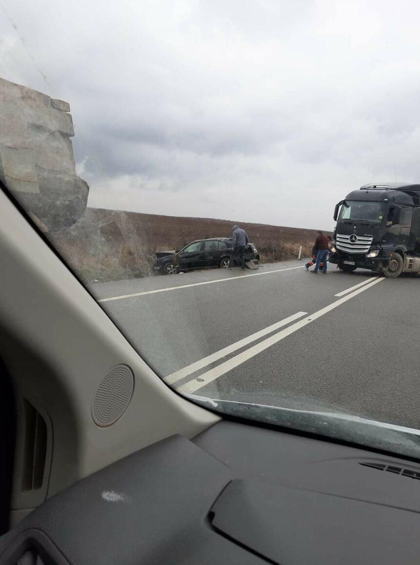 Accident pe DN56. Un om, la spital