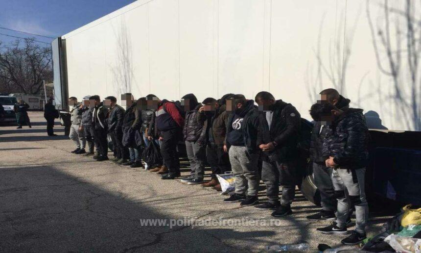 15 imigranţi, într-o remorcă frigorifică, la Calafat