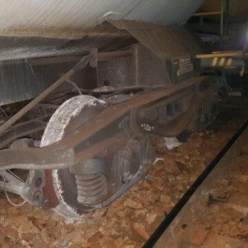O locomotivă a deraiat în localitatea Turceni